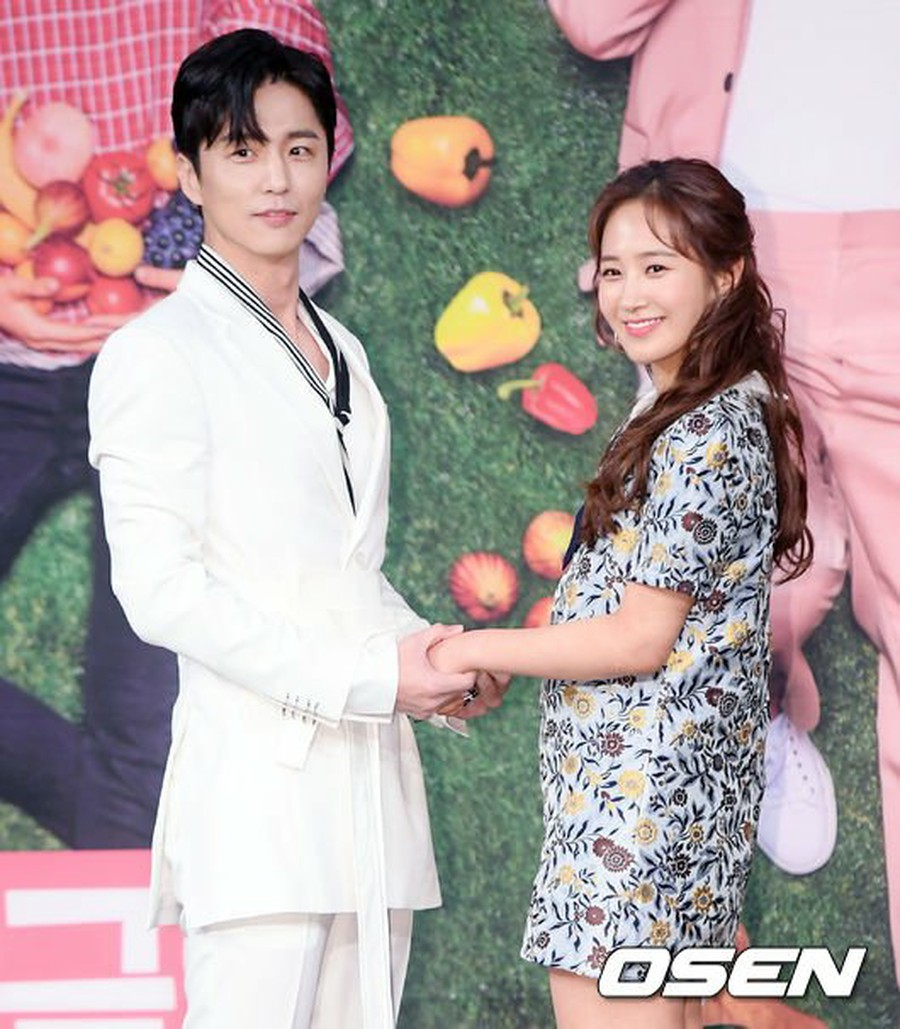 Actor Shin Dong Wook & Yuri (SNSD), attend MBC New
