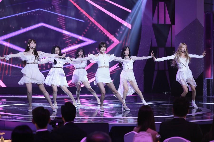 T Official】 GFRIEND Celebration performance