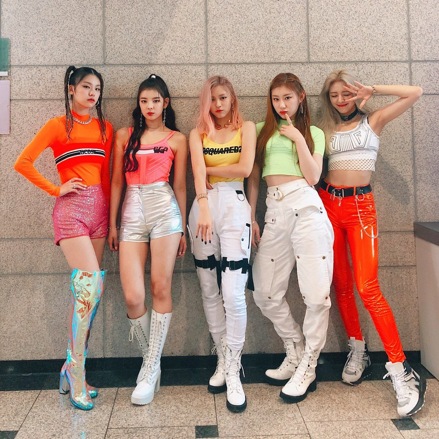 Image result for itzy icy outfits