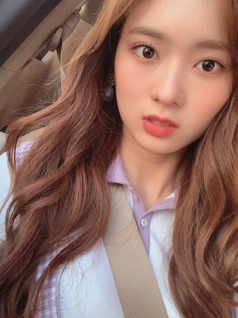 [T Official] CherryBullet, [#May #MAY] Today's selfie 👒    Roulette often sent