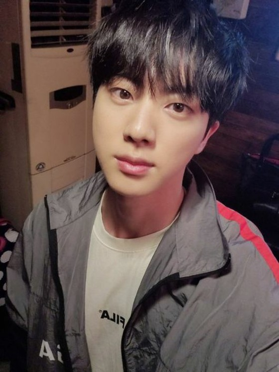 BTS's JIN, good-looking even if he eats salty food and wake up to have a swollen face